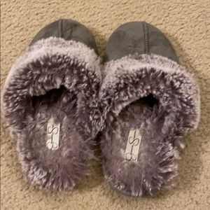 Jessica Simpson slippers with fur
